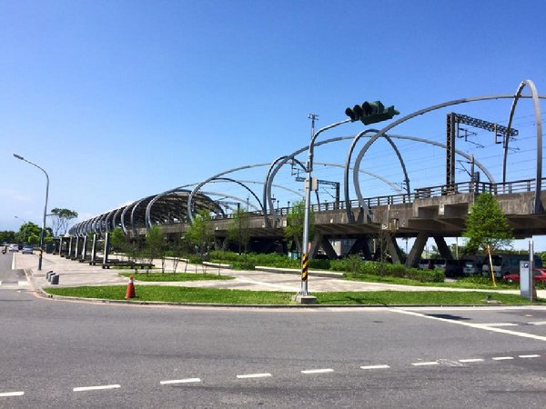 綠色隧道-冬山車站